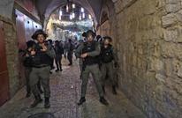 شهيد متأثرا بإصابته واعتقالات بالضفة واعتداءات للمستوطنين