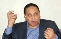 """علاء الأسواني يتوقف عن الكتابة في """"المصري اليوم"""""""