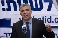 """كاتب إسرائيلي: لابيد يعتزم تشكيل """"حكومة انتقام"""" من نتنياهو"""