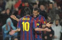 ألفيس يقول إن ميسي ساعده على الاقتناع بالبقاء مع برشلونة