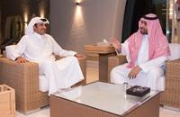 وزير الدفاع السعودي يلتقي أمير قطر في الدوحة