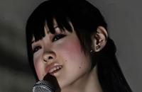 """كيف تغني فنانة صينية """"رجعوني عينيك"""" للراحلة أم كلثوم؟ (شاهد)"""