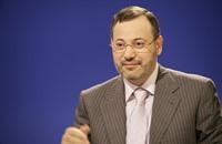 القضاء الألماني يأمر باعتقال مذيع الجزيرة أحمد منصور