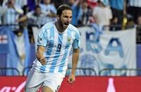 """هيغواين يقود الأرجنتين للفوز على جامايكا في """"كوبا أمريكا"""""""