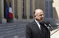 الحكومة الفرنسية تعتزم حل مساجد عقب هجمات باريس