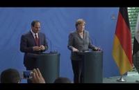 """برلين.. صحفيّة تلقي هتافات مناهضة بوجه السيسي وتصفه بـ""""القاتل"""""""