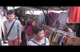 ازدحام في أسواق إندونيسيا قبيل ساعات من قدوم رمضان