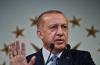 نائب عربي يتحدى نوابا إسرائيليين ويهنئ أردوغان من الكنيست
