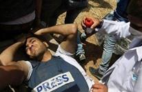 طواقم مهنية وإنسانية في مرمى قناصة الاحتلال بغزة (شاهد)