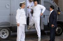 رفع التحفظ على أموال مبارك وزوجته وإبقاؤه على نجليه