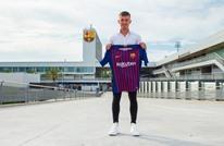 برشلونة يضم نجما هولنديا إلى صفوفه