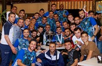 """فضيحة.. بطل كأس الأردن يتسلم كأس """"بلاستيكية مكسورة"""""""