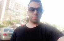 بكاء مطرب مصري لحظة إعلانه وفاة والدته بكورونا (شاهد)