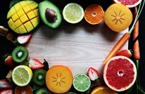 تعرف على الفواكه والخضراوات التي يمكنك تناولها بقشرها