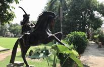 """تمثال لـ""""الغازي أرطغرل"""" في مدينة لاهور شرق باكستان"""