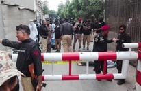 هجوم مسلح على مبنى بورصة باكستان في كراتشي (شاهد)