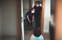 لقاء مؤثر لطفل مع والديه بعد 70 يوما من كورونا (فيديو)