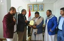 هل فقدت حماس شعبيتها باليمن بعد تكريمها للحوثي في صنعاء؟