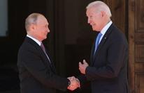 خبير يقدم قراءة للغة الجسد خلال لقاء بوتين وبايدن (صور)