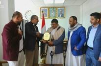 """ردود رافضة لتكريم الحوثيين من """"حماس"""".. والأخيرة تعلق"""