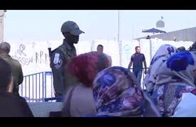 """آلاف الفلسطينيين يتوافدون إلى القدس لإحياء """"ليلة القدر"""""""