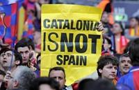 """هل بدأ برشلونة بدفع ثمن """"الالتزام"""" السياسي؟"""
