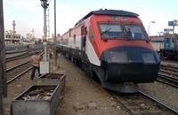 مصريون يستهجنون رفع أسعار تذاكر القطارات (فيديو)