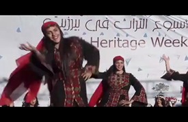 """""""سمعان"""" و""""ميرنا"""".. عروسان وجدا ضالتهما في أسبوع التراث الفلسطيني"""