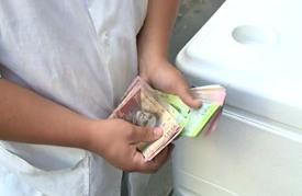 فنزويليون يروون ثقل الأزمة الاقتصادية على حياتهم اليومية