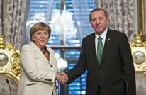 ميركل تدعو تركيا لرد فعل مناسب لدى تعقب مدبري محاولة الانقلاب