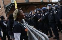 احتجاجات عديدة بالولايات المتحدة على عنف الشرطة