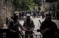 الاحتلال يحتجز هويات المصلين بالأقصى.. واستمرار المواجهات