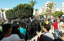 مسيرة الحسيمة تنطلق والأمن المغربي يعنف المحتجين (شاهد)