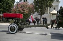 السبسي يوارى الثرى بعد صلاة الجنازة على جثمانه