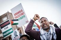 حفيد مانديلا يحضر معرضا فلسطينيا بلندن.. هذا ما قاله (شاهد)