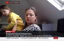 """طفلة تقتحم مقابلة مباشرة مع والدتها على """"BBC"""" (شاهد)"""
