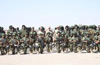 رئيس أركان الجيش المصري يتفقد الاستعداد القتالي قرب ليبيا