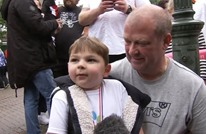 طفل بريطاني يكافئ مستشفى أنقذ حياته بأكثر من مليون دولار