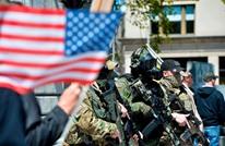 """تعرف على """"المليشيات"""" في أمريكا.. نحو حرب أهلية ثانية؟ (ملف)"""