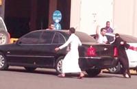 """شجار مع """"الهيئة"""" ينتهي بجلد سعودية 50 جلدة"""