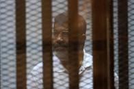 """توجيه تهمة """"تسريب وثائق أمن قومي إلى قطر"""" لمرسي"""