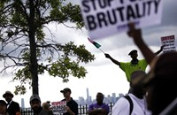 آلاف الأمريكيين السود يتجمعون بواشنطن ضد الظلم والعنصرية