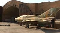 طائرات داعش تحلق في سماء حلب بسوريا
