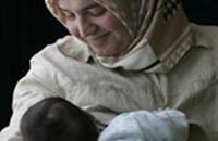 دراسة: حمل الأم بعد الأربعين أفضل بدنيا ونفسيا للمولود