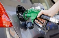 """ارتفاع """"جنوني"""" لأسعار الوقود بلبنان.. قفزت أكثر من 24%"""
