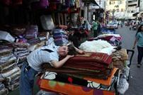 ضعف القوة الشرائية بالأسواق الفلسطينية