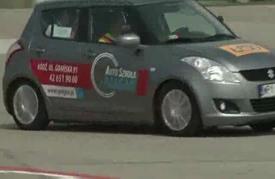 الصمُّ والمكفوفون... يستطيعون قيادة السيارة أيضاً!