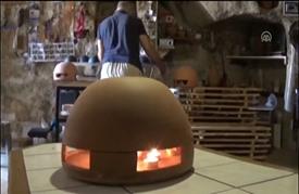 """""""مدفأة الشموع""""، دفء وعطر وقهوة تركية"""