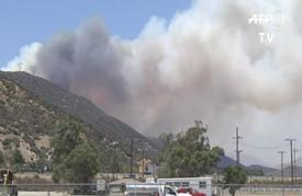 حريق كاليفورنيا يواصل تمدده المدمر وانحسار السيول في لويزيانا