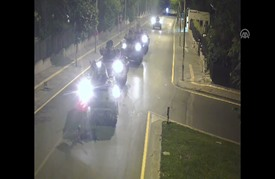 """مشاهد جديدة لمواطن تركي """"تصدى بجسده"""" لـ5 مدرعات انقلابية"""